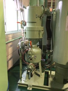 サイクロン内蔵直圧式ブラストユニット
