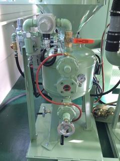 サイクロン内蔵直圧式ブラストユニットのコントロール部