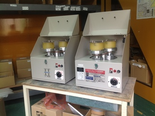 ミニバレル�U(左:標準仕様・右:スピードコントローラー仕様)