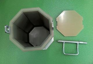 7.5L八角研磨槽(ステンレス製+ウレタンゴムライニング)�A
